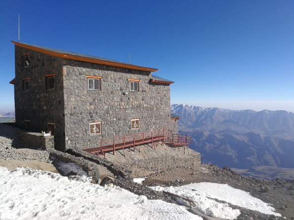 Bargah-e Sevom Hut at 4200m