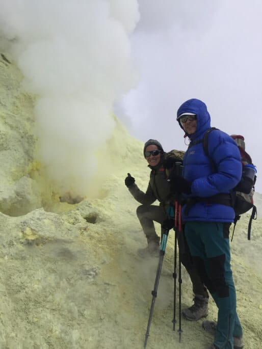 Mount Damavand tour summit day sulfur sulphur peak trekking cheetah