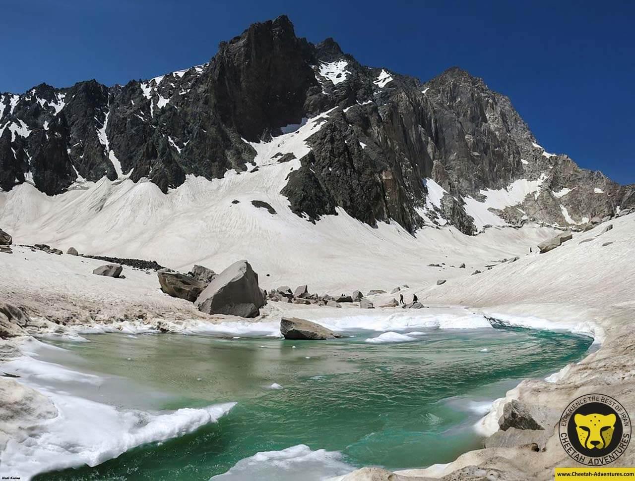 Alamkuh Bigwall, Alamchal Glacier, North face of Alamkuh