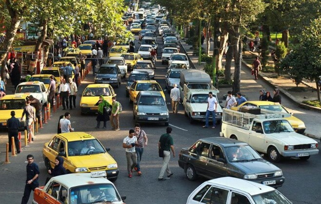 iranian driving crossing the street in visit iran travel things to know before you come cheetah adventures s