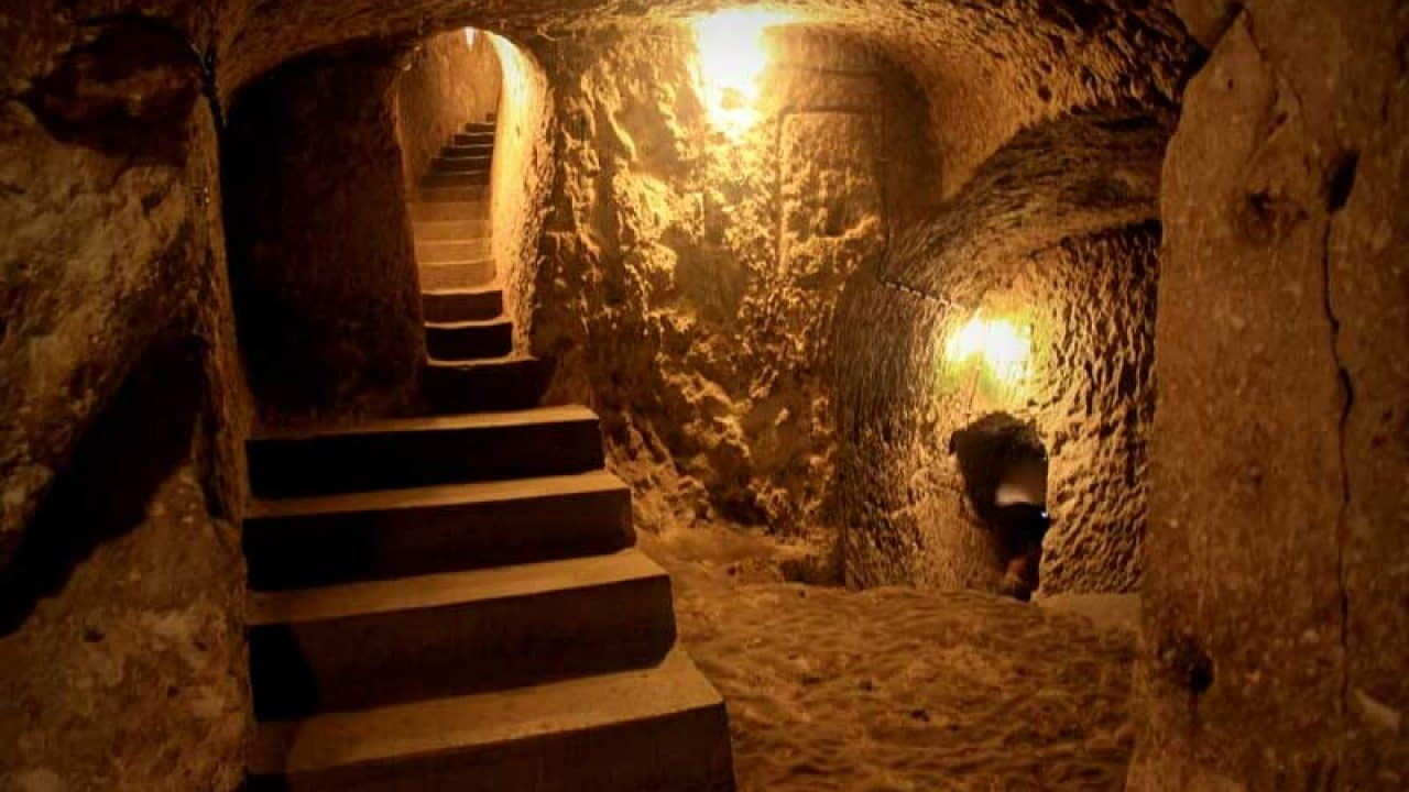 noushabad-underground-city iran desert tour dasht e kavir central desert of iran package