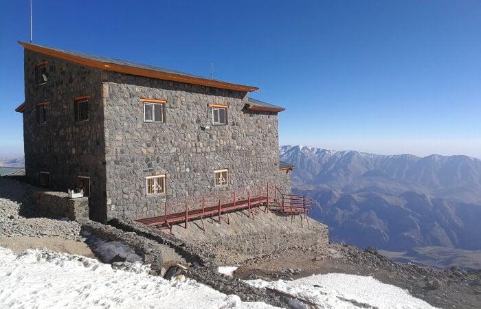 Mount Damavand mountain tour Damavand facts information Bargah-e Sevom Hut at 4200m