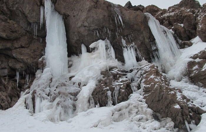 Mount Damavand mountain tour Damavand facts information abshar yakhi damavand icefall waterfall
