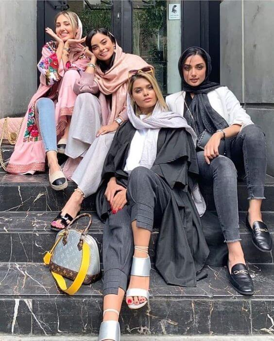 iran dress code fasion in Iran dressing female modern iranian women (4)