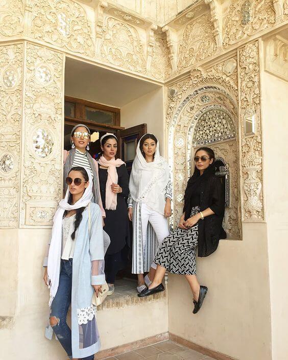 iran dress code fasion in Iran dressing female modern iranian women (5)