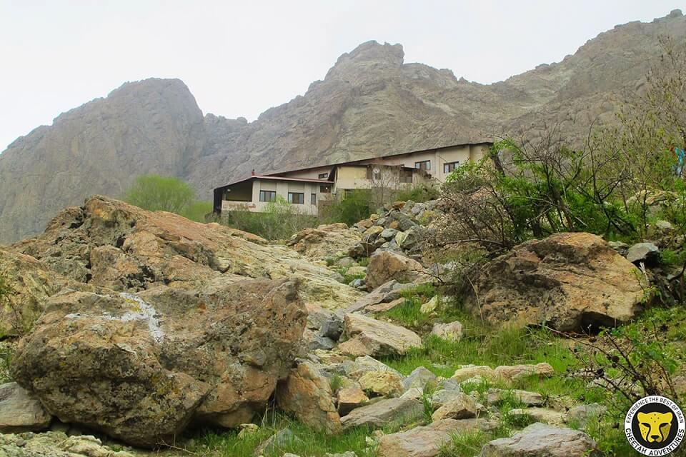 Osoun Hotel Mount Tochal tehran iran mountain trekking tour iran travel guide attractions things to do destinations Cheetah adventures