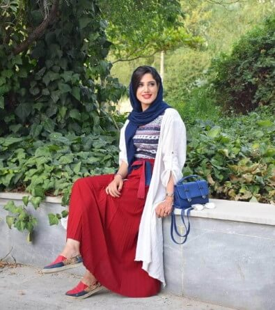 Colorful-clothes-iran-dress-code-how-to-wear-like-iranians-2-small women dress code