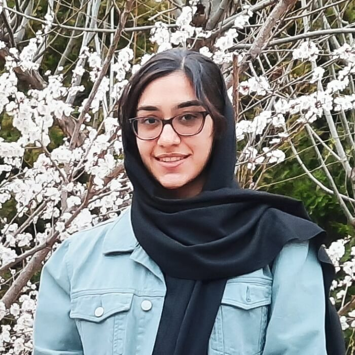 Helia Behrouzfar