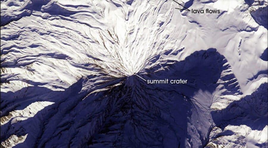 Damavand_Summit_Lake_Cheetah_Adventures_Damavand_Carater_Damavand_Lava_Flows