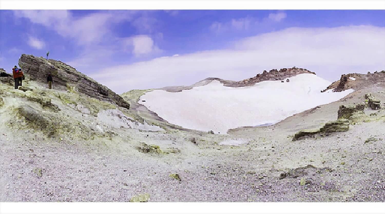Damavand_Summit_Lake_Cheetah_Adventures_Damavand_Carater_Damavand_trekking